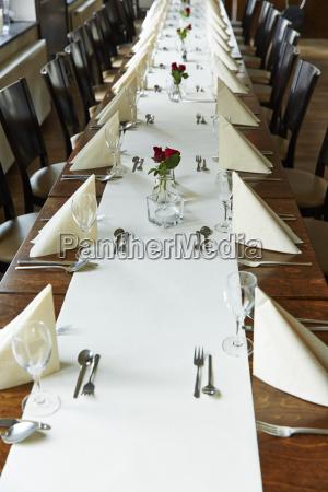 alemanha festivly colocado mesa para uma