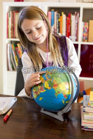 retrato em pe aluna vista frontal