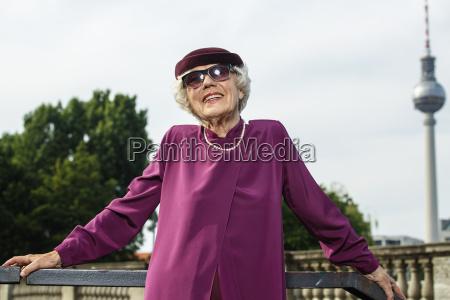 elegante chapeu retrato elegancia berlim roxo