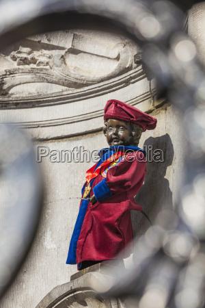 belgica bruxelas manneken pis traje