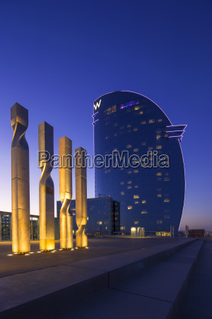 moderno escultura espanha noite hotel crepusculo