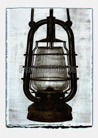 colagem da lampada de petroleo com