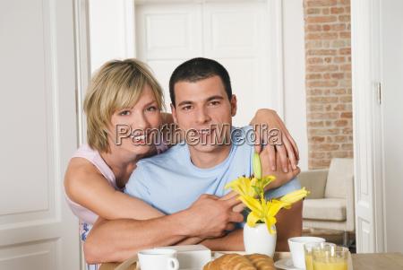 mulher pessoas povo homem alimento refeicao