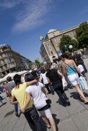 pessoas povo homem passeio viajar cidade
