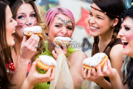 meninas, no, alemão, fasching, carnival, comendo - 21503831
