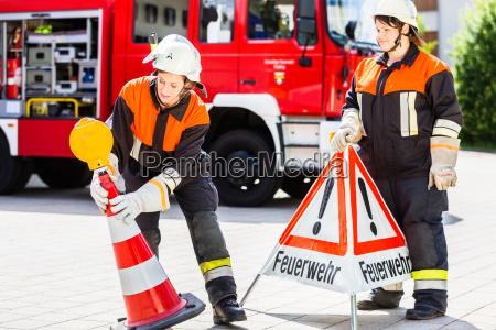 lutadores de incendio femeas que setting