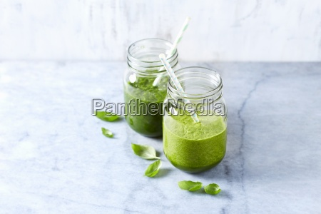 an apple and spinach smoothie and