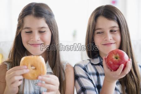 pessoas povo homem risadinha sorrisos alimento