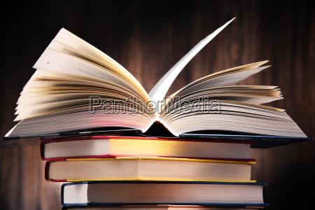 educacao biblioteca leitura aprendizagem papel livro