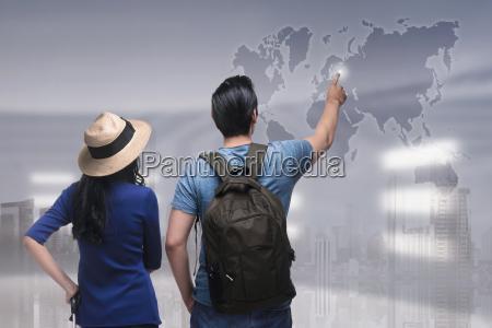 retrato do viajante asiatico dos pares