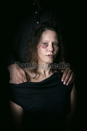mulher liberdade medo abuso violencia ajuda