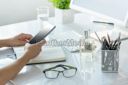 mujer telefono personas gente hombre oficina