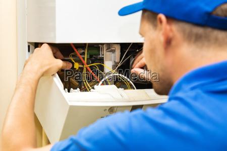 azul casa construcao uniforme reparacao mecanico