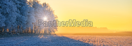 viajar inverno frio por do sol