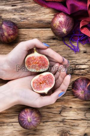 ripe sweet figs