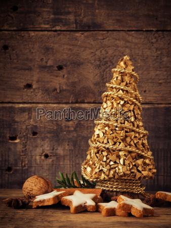 cinnamon cookies with christmas decoration