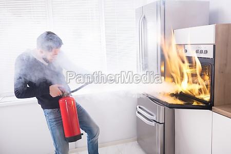 fumaca extintor cozinha cozinheiros cozinhar fogo