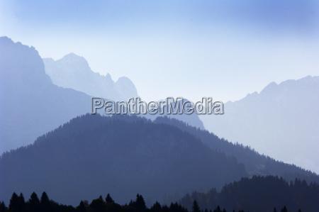 azul montanhas cupula nevoeiro neblina ponta