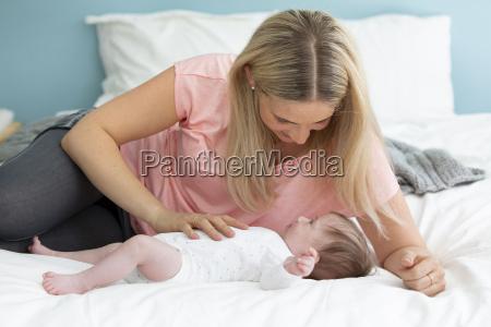 cama bebe infantil mae mamae massagem