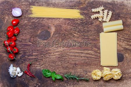 frames e ingredientes da massa na