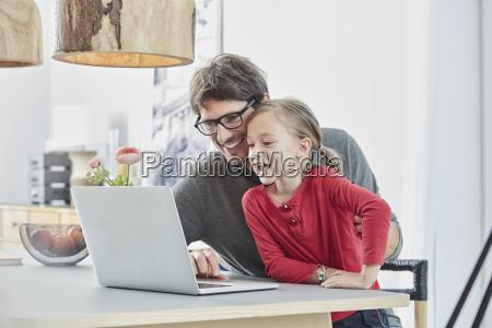 pessoas povo homem caderno computadores computador