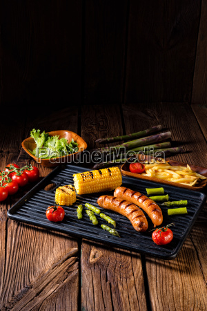 grilled crackers with french fries and