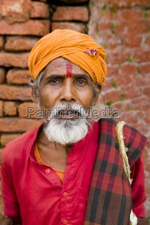 nepal kathmandu homem religioso no lugar