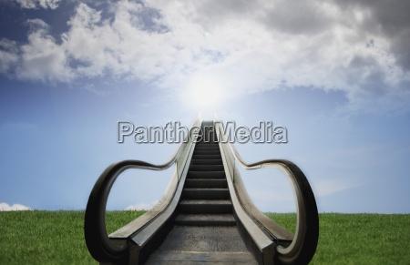 escalera mecanica escalera ir religion religioso