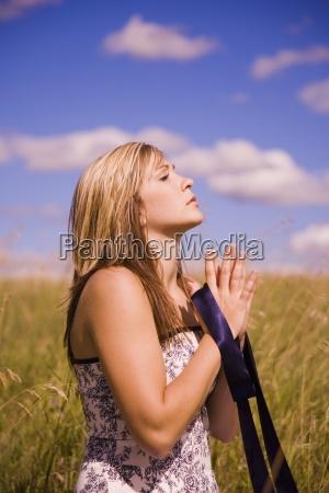 mulher pessoas povo homem mulheres religiao