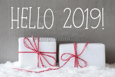 dois presentes com neve texto hello