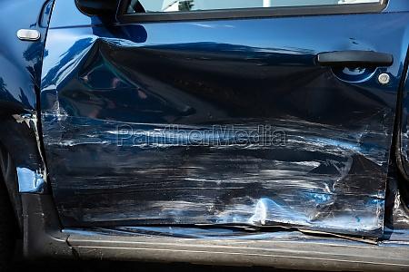 close up do carro danificado