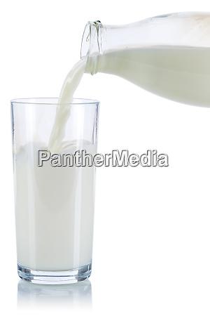 o derramamento do leite derrama o