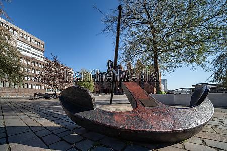 big anchor on the dar es