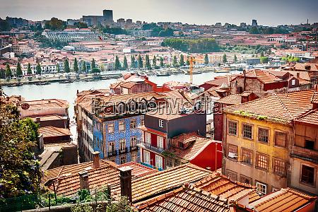 vista das antigas casas da cidade