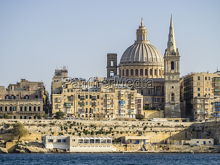 view approaching valletta from the ferry