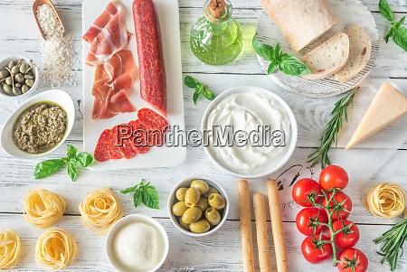 variedade de alimentos italianos