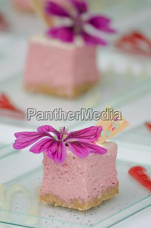 raspberry cheesecake biscuits