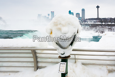 frozen, smile, on, coin, operated, binoculars - 27258680