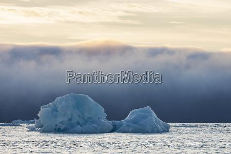 noruega svalbard kvitoya iceberg e banco