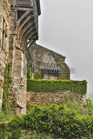 franca najac o lado do castelo