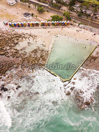 vista aerea da piscina publica de