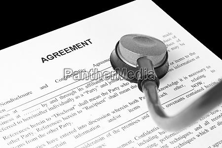 exame do acordo de negocios