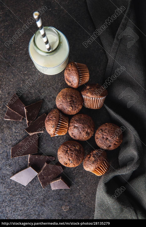bolinhos, de, chocolate, saborosos., cupcakes, doces. - 28135279