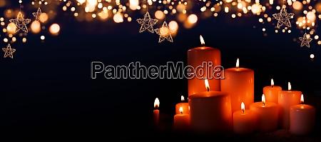velas acesas na noite de natal
