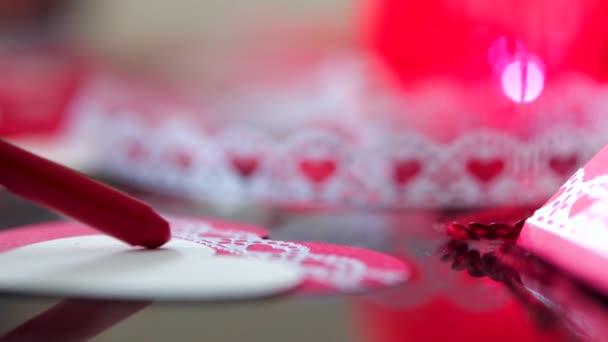 vermelho branco objeto ninguem dom linda